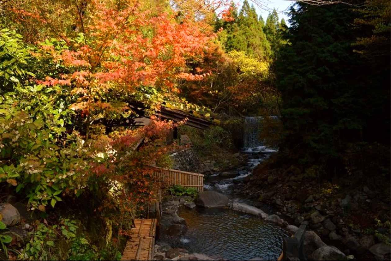 黒川温泉 旅館 奥の湯 川風呂