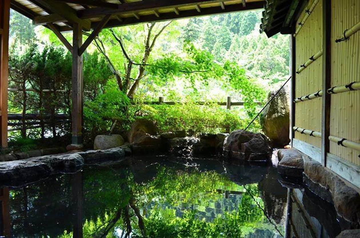 旅館白滝 露天風呂
