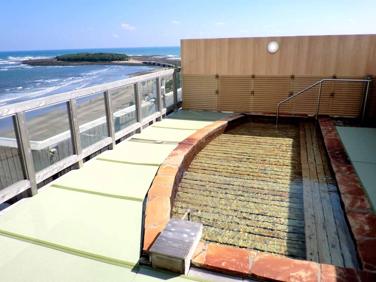青島グランドホテルの絶景露天