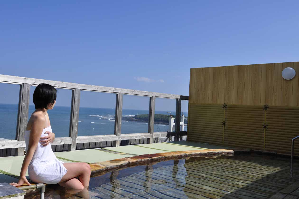 青島グランドホテルの絶景露天モデル入り