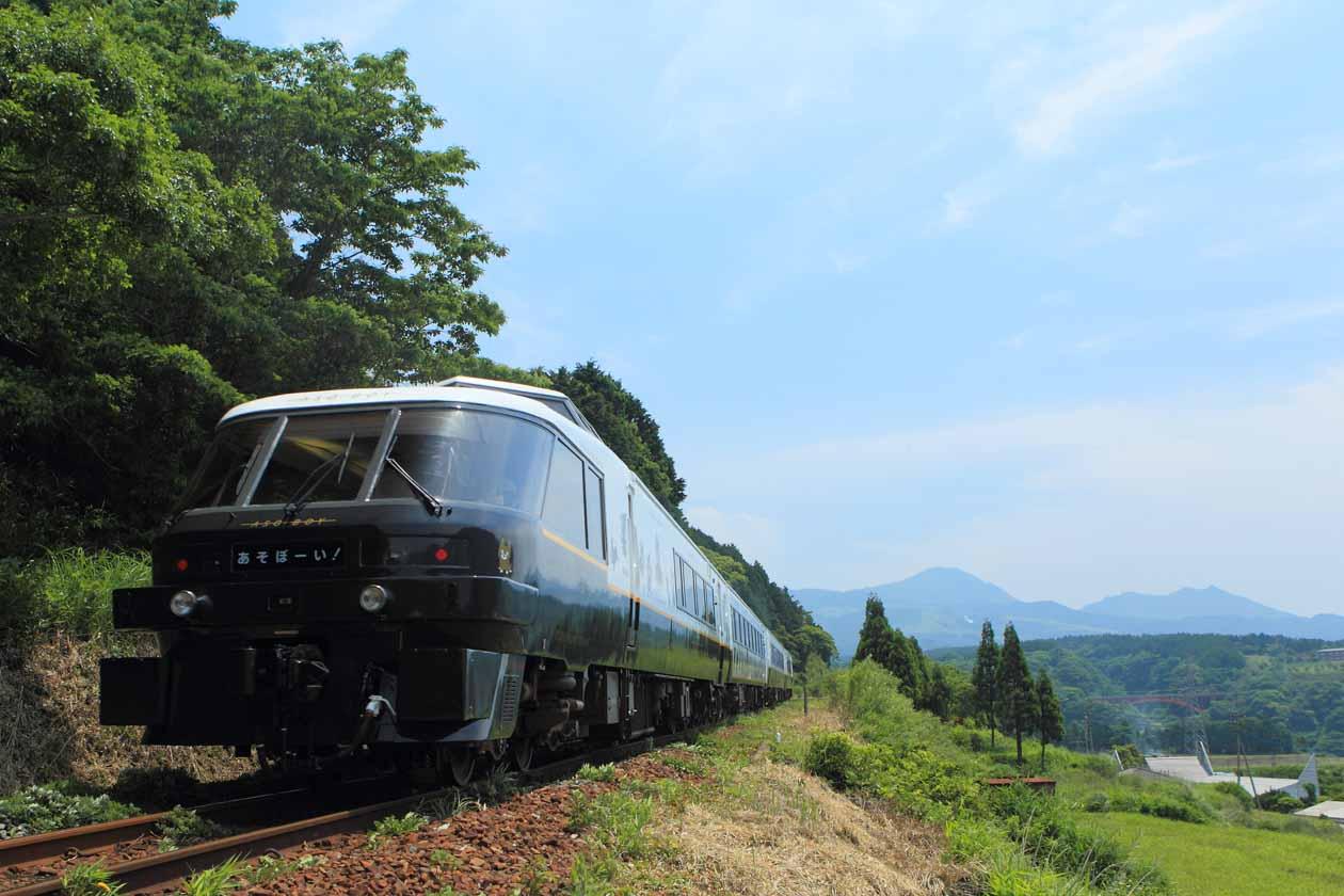 JR九州 D&S列車「あそぼーい!別府~阿蘇間復活」