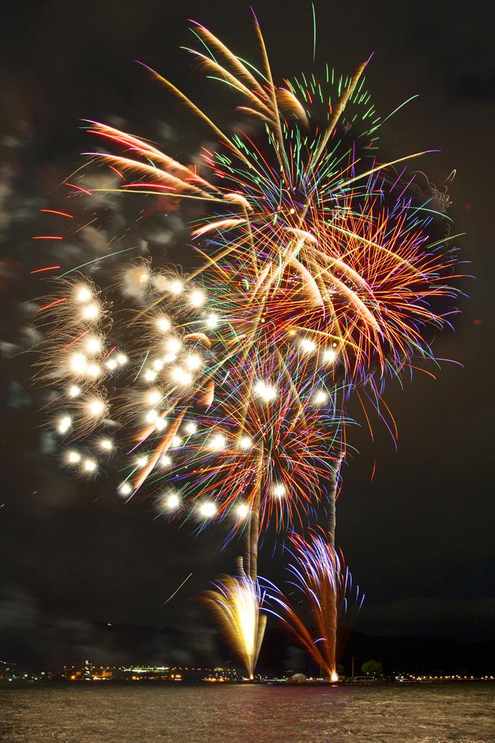 長野県諏訪市上諏訪温泉 上諏訪温泉宿泊感謝イベント-海の日なのに!諏訪湖で花火