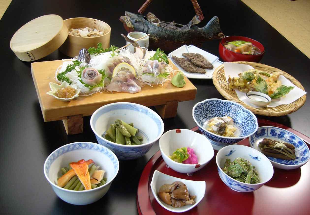 福島県檜枝岐村 尾瀬檜枝岐温泉 山人料理 サンショウウオ