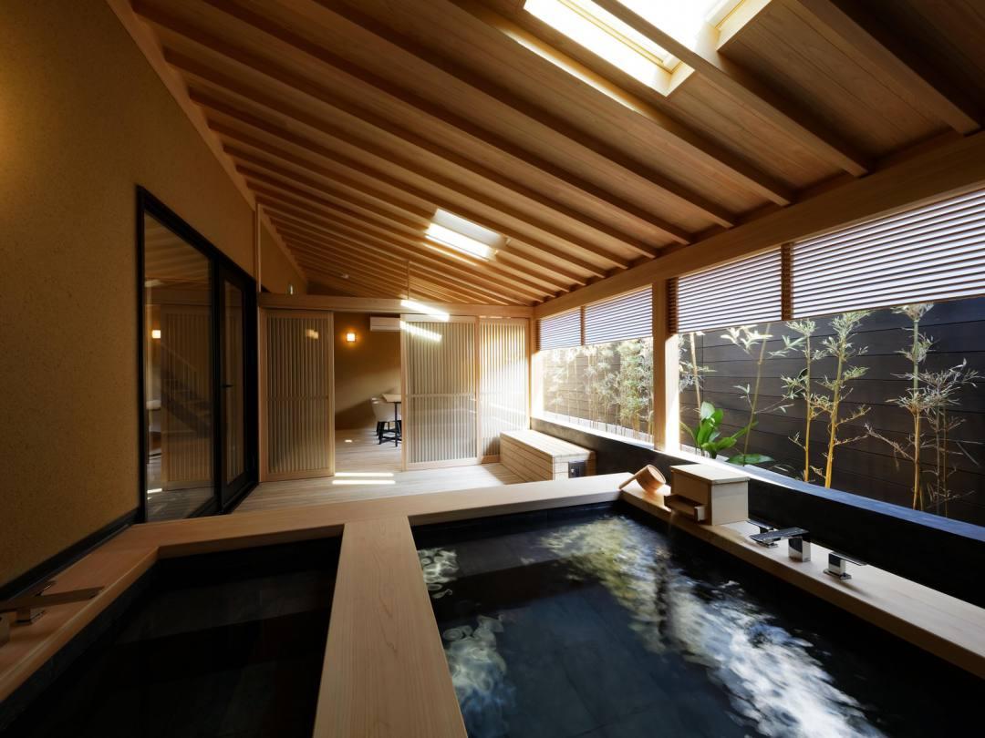 道後温泉 葛城 琴の庭 離れ「ときみ邸」露天風呂は贅沢にも温泉と水風呂がある